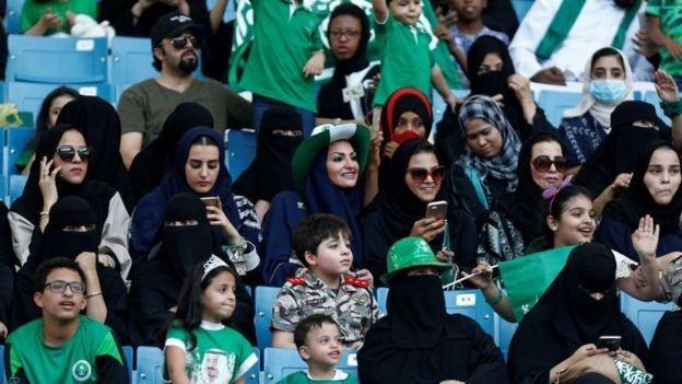 Por primera vez las mujeres en Arabia Saudita podrán ingresar a estadios