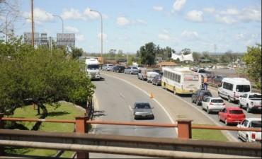 Esperan que la repavimentación del Puente Oroño finalice antes de noviembre