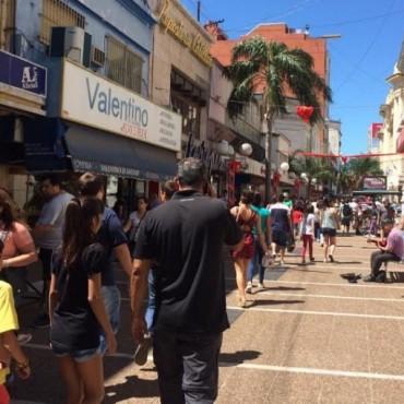 Un 40% de los comercios aumentaron sus ventas en la ciudad