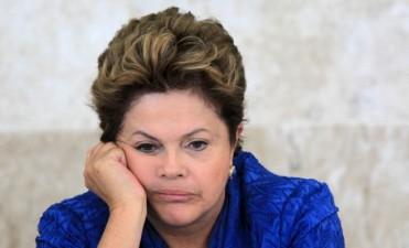 Ordenan embargar los bienes de Dilma Rousseff