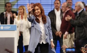 Cristina apunta a liderar la oposición