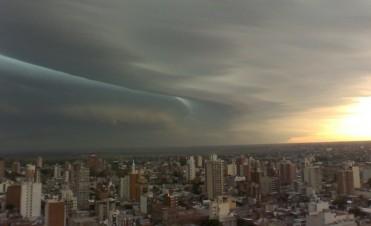 Dos alertas por tormentas fuertes que abarcan toda la provincia