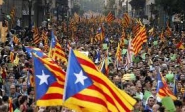 El Parlamento catalán votó a favor de declarar la independencia