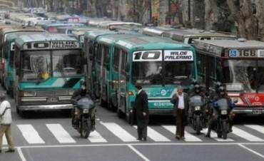 En 2018 aumentará el precio de boletos de colectivos y trenes