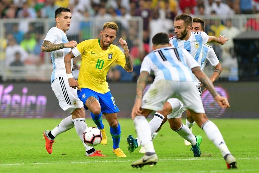 Sobre el final, Argentina perdió 1-0 ante Brasil