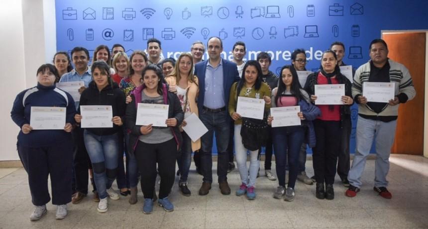 """José Corral: """"Queremos una Santa Fe activa, con jóvenes con propuestas e iniciativas por concretar"""""""