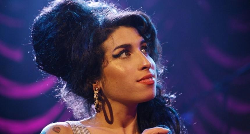 Amy Winehouse volverá a los escenarios como un holograma