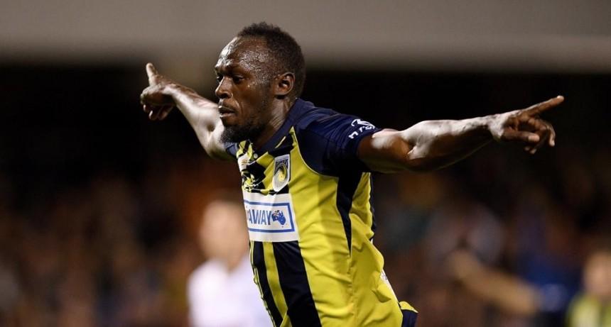 Usain Bolt marcó sus primeros dos goles como futbolista