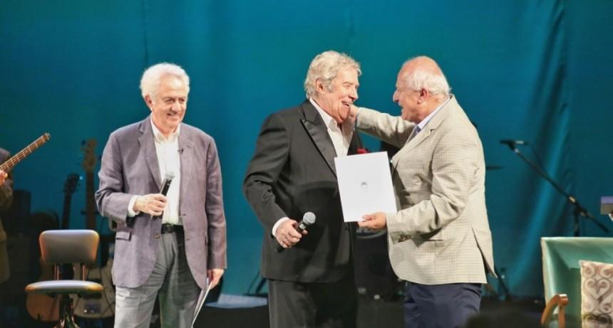 Lifschitz participó del homenaje público a Chico Novarro