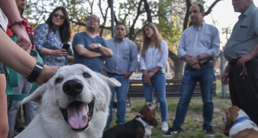 """Corral: """"Una ciudad mejora cuando tiene los lugares adecuados para sus mascotas"""""""