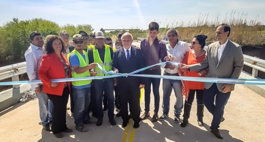Lifschitz inauguró un renovado puente sobre el arroyo Cañada de Gómez