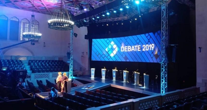 Los candidatos presidenciales se preparan para el debate con distintas estrategias