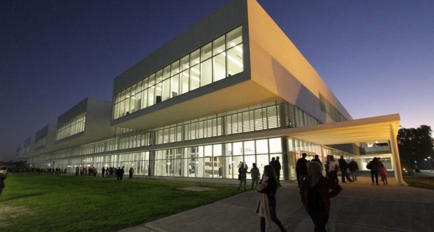 Culminó con éxito el traslado de pacientes del Iturraspe al nuevo edificio