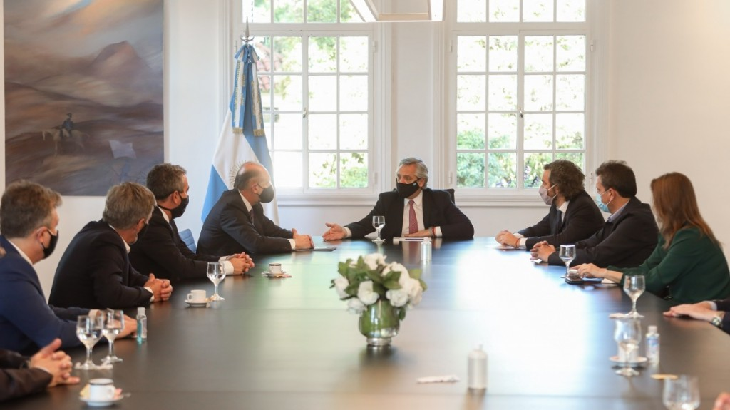 Perotti y Fernández firmaron un convenio para modernizar y reformar la fuerza de seguridad