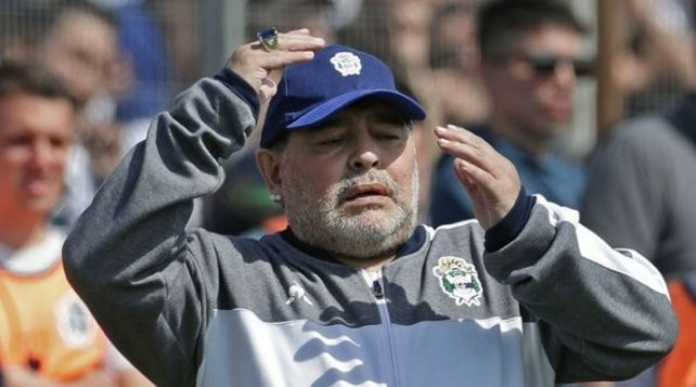 Diego Maradona echó a todos de su casa en la previa a su cumpleaños número 60
