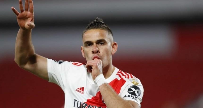 River goleó a Liga de Quito y quedó primero en su grupo