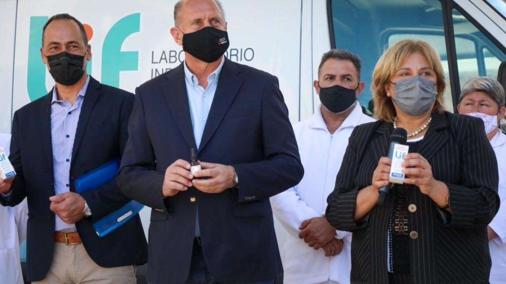 Perotti presentó el primer lote de aceite de cannabis medicinal elaborado por el LIF