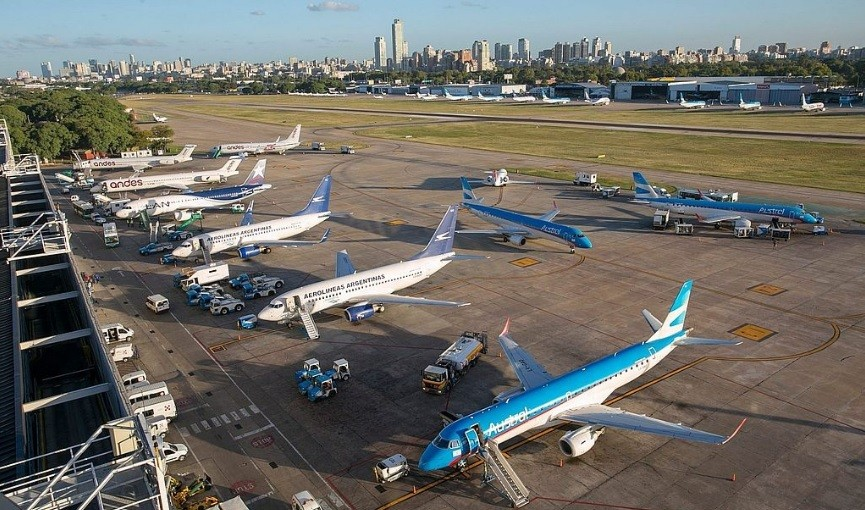 El Gobierno eliminará los cupos para el ingreso de pasajeros del exterior