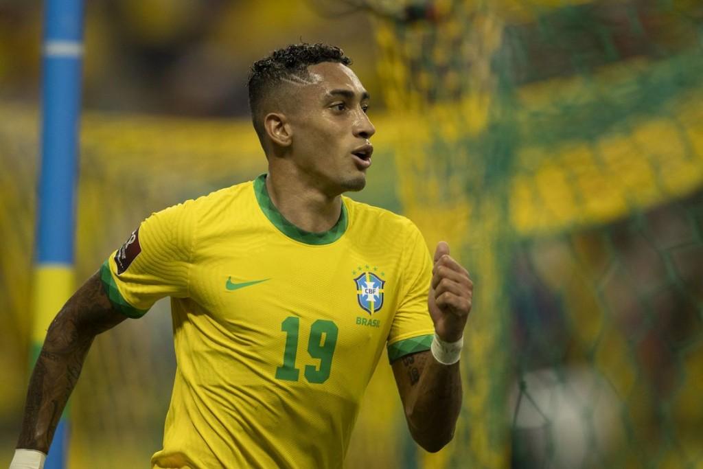 Brasil no tiene freno: venció a Uruguay por 4-1