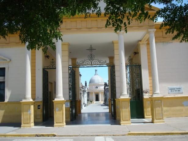 Aprueban un nuevo régimen para el Cementerio Municipal