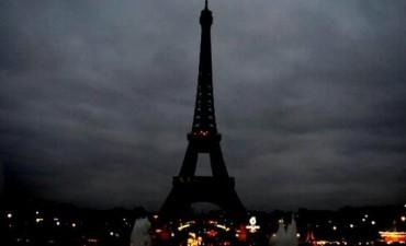 Confirman que no hay víctimas argentinas por los atentados en París