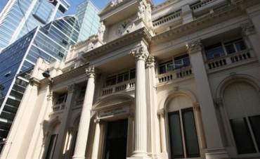 La Policía Metropolitana allana el Banco Central por orden del juez Claudio Bonadio