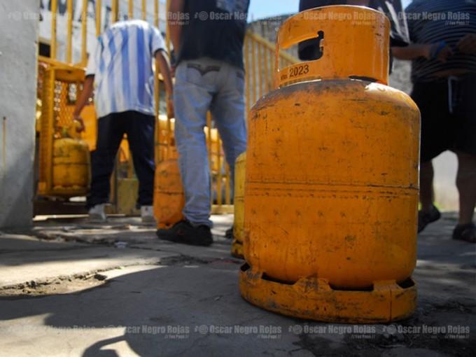 En noviembre, continúa la venta de garrafas de gas a precio diferencial en distintos puntos de la Ciudad
