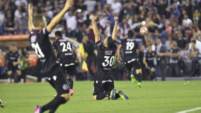 Confirmaron días y horarios de las finales de la Libertadores entre Lanús y Gremio