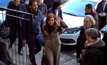 Ratificaron el procesamiento y embargo por 10.000 millones de pesos a Cristina Fernández