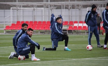 La selección argentina realizó su primera práctica en Moscú