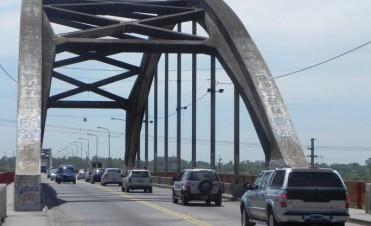 Requieren que se demarquen carriles para motos en el Puente Carretero