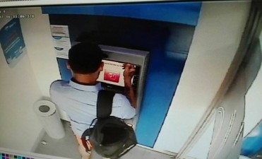 Secuestraron un dispositivo para captar datos en un cajero céntrico