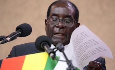 37 años en el poder: Renunció el presidente de Zimbabwe