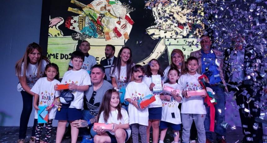 """La Escuela Falucho ganó el concurso nacional """"Fruteá tu escuela"""""""