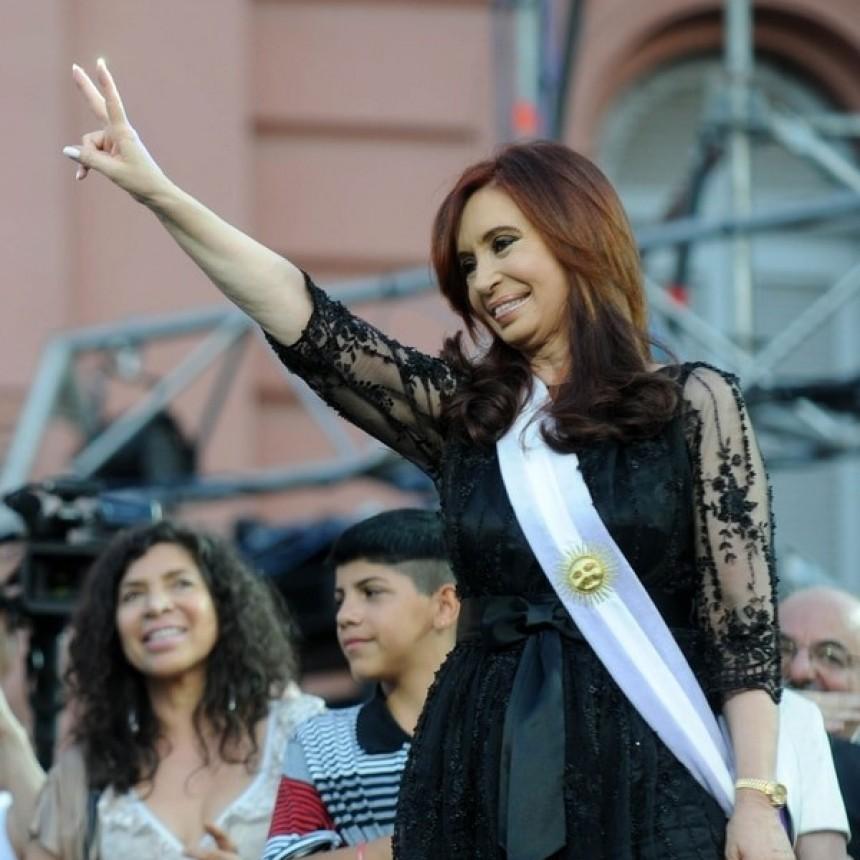 Una costurera le inició una demanda a Cristina Kirchner por más de 2 millones de pesos