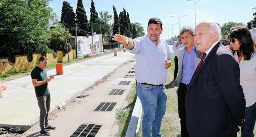 Lifschitz recorrió las obras viales e hídricas que se realizan en la Ruta Provincial N° 1