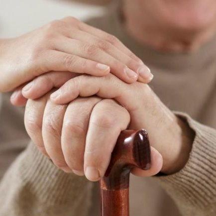 Charlas para el cuidado de adultos mayores e inclusión de personas con discapacidad