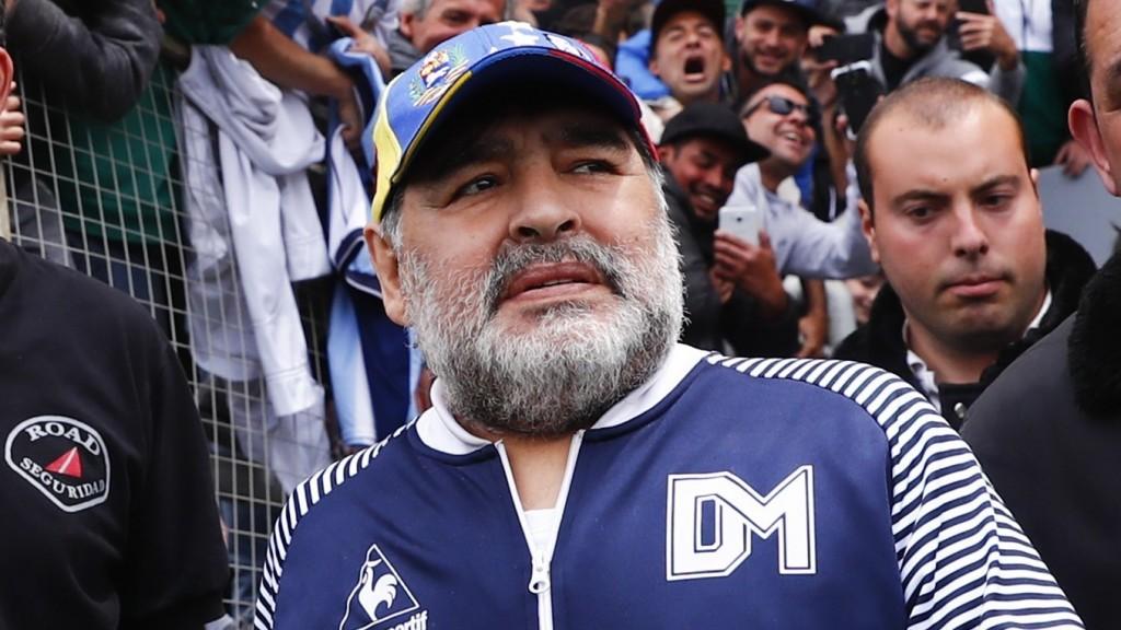 Se eliminó el hematoma exitosamente, sostuvo el médico que operó a Maradona
