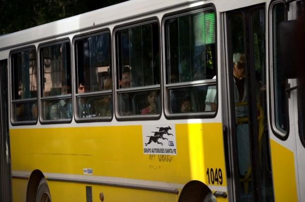 """Los usuarios calificaron como """"regular"""" el servicio de transporte de colectivo"""
