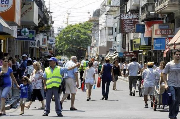 Santa Fe de Compras: calle Mendoza será peatonal hasta el jueves 24