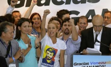 Venezuela: la oposición derrotó de manera contundente al chavismo