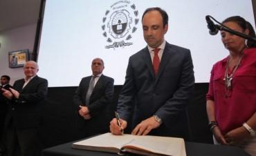 José Corral asumió como primer intendente reelecto de la Ciudad