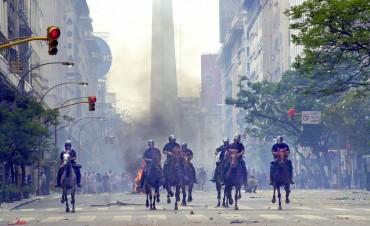 Se cumplen 14 años de la represión del 2001 y el fin del gobierno de De la Rúa