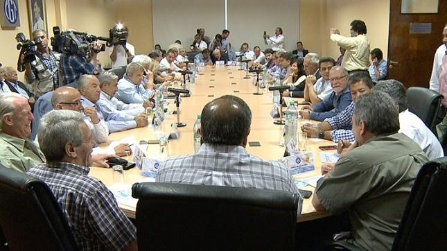 La CGT se reúne con el Gobierno para negociar una reforma del impuesto a las Ganancias