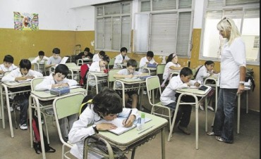 Enviarán a la Legislatura el proyecto para la nueva ley de educación provincial