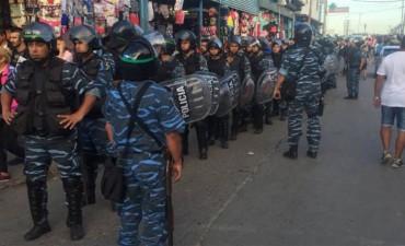Megaoperativo en La Salada: más de 2000 policías realizan más de 500 allanamientos por falsificación de marcas