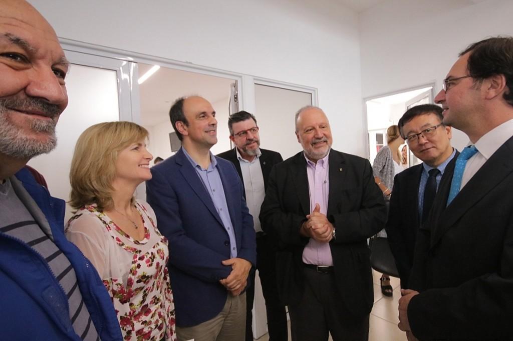 José Corral se reunió con especialistas internacionales en telecomunicaciones