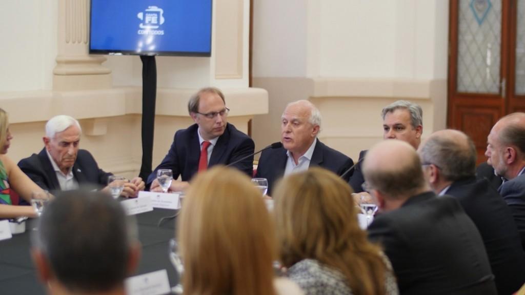 Lifschitz se reunió con legisladores nacionales por la deuda por coparticipación