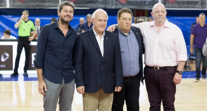 Lifschitz presenció el partido inaugural de la Liga Nacional de Básquetbol 2018/2019