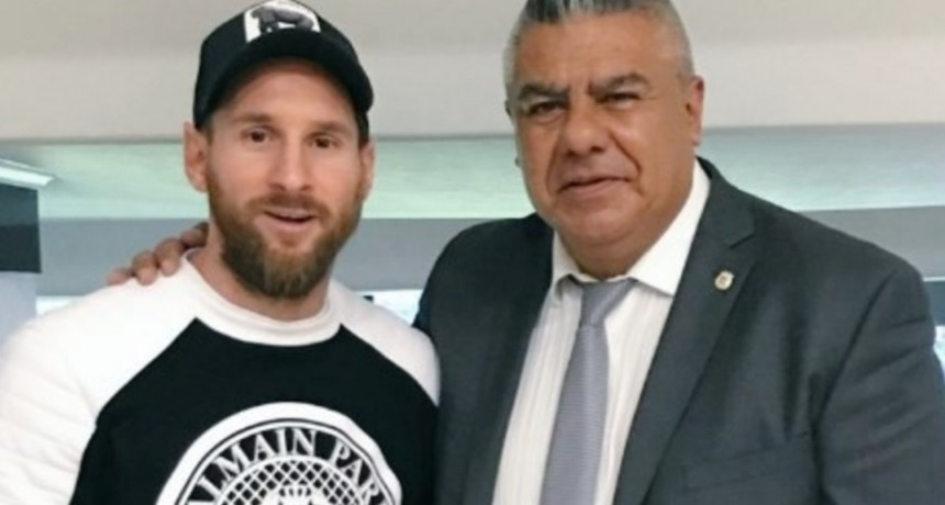 Messi, Tapia y una foto en Madrid que entrega buenas señales